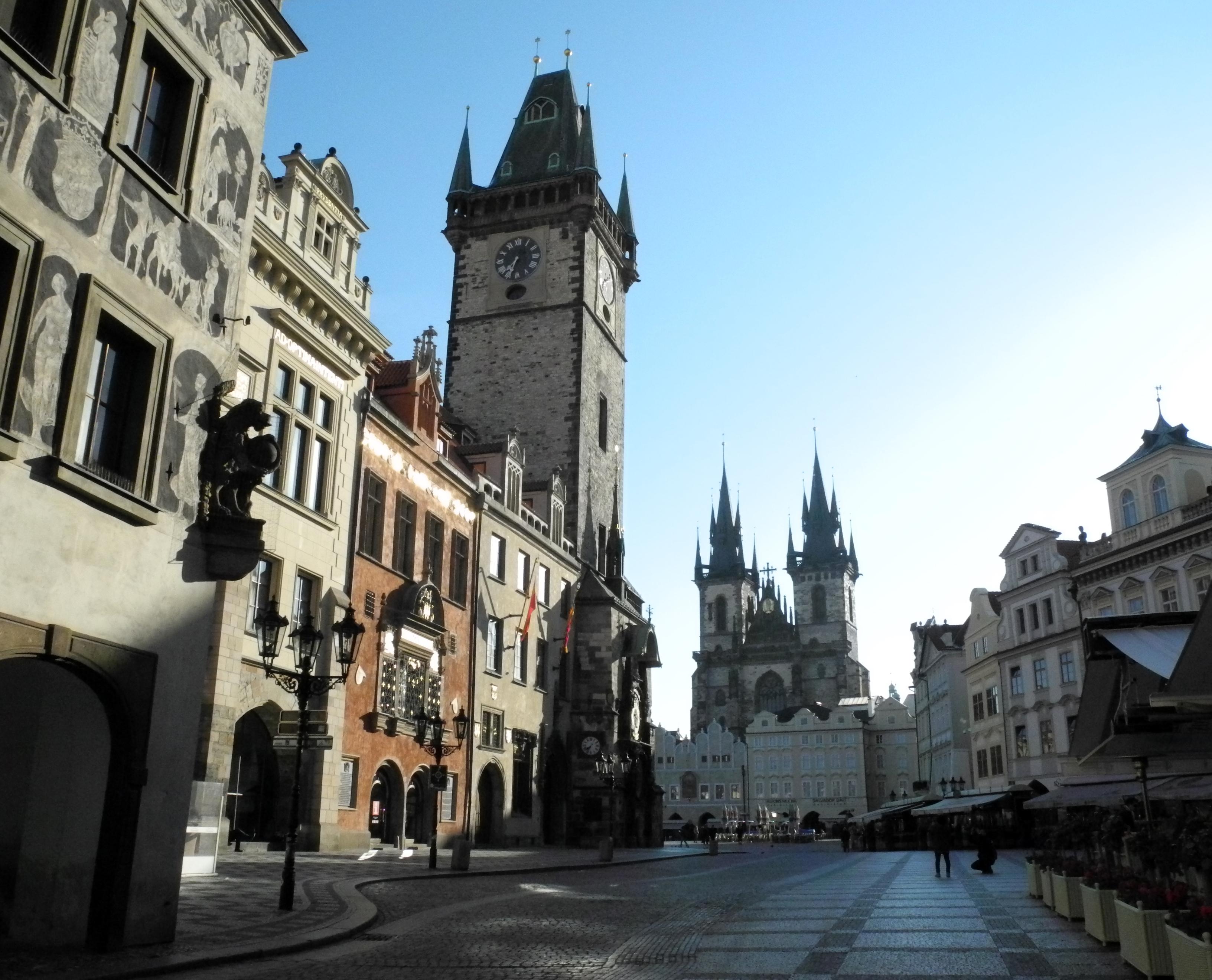 Kurztrip Prag: Der Rathausplatz an einem Sonntag Morgen 7 Uhr