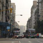 Buenos Aires Sehenswürdigkeiten: Endloses Shopping auf der Avenida Santa Fe.