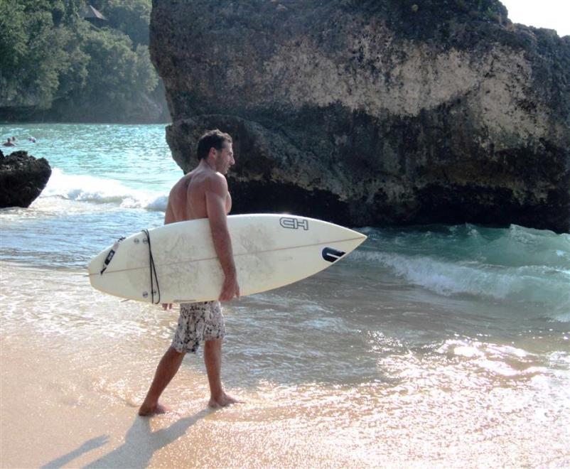 Urlaub Bali: Surfer gibt es hier wie Sand am Meer