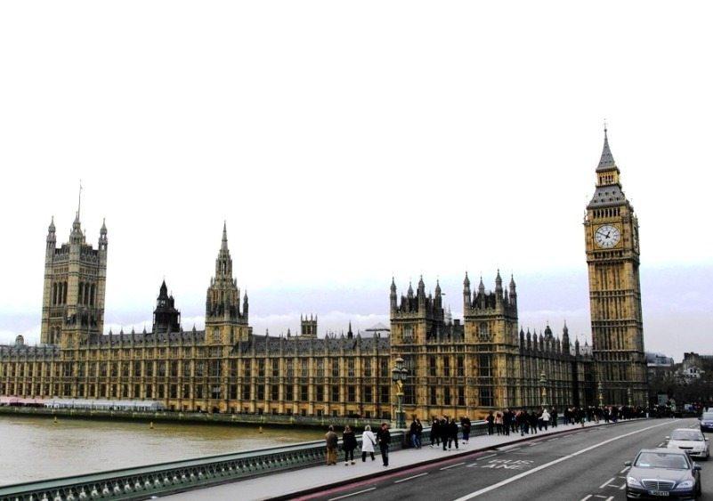 Top Sehenswürdigkeit in London: Das House of Parliament und sein Big Ben