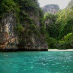 Auf dem Weg zum Maya Beach nahe Ko Phi Phi