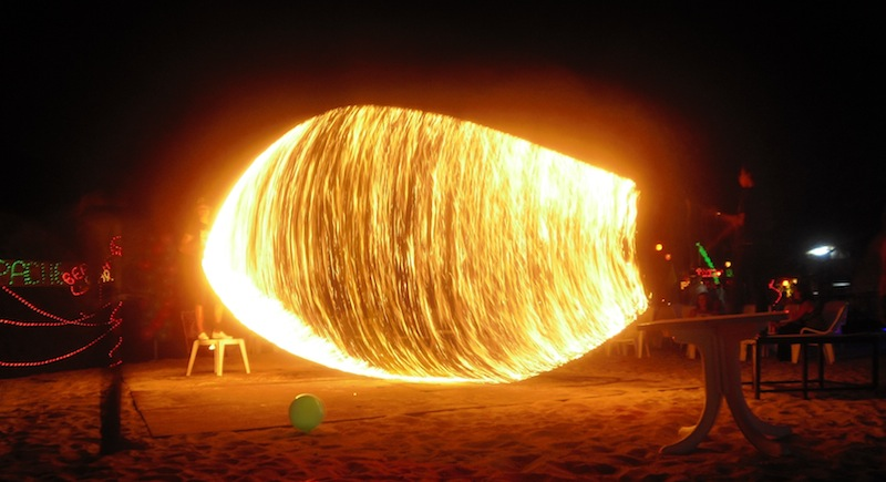 Feuershow am Strand.jpg