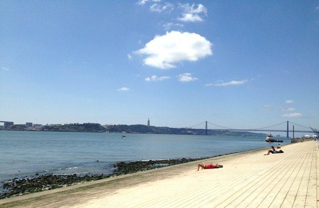 4 Tage in Lissabon: Unbedingt am Tejo entlangspazieren