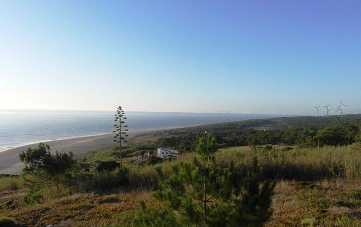 Ausblick von Sitio auf die andere Seite von Nazaré, an Portugals Westküste
