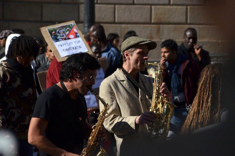 Gesang und Kunst in Barcelonas Gassen