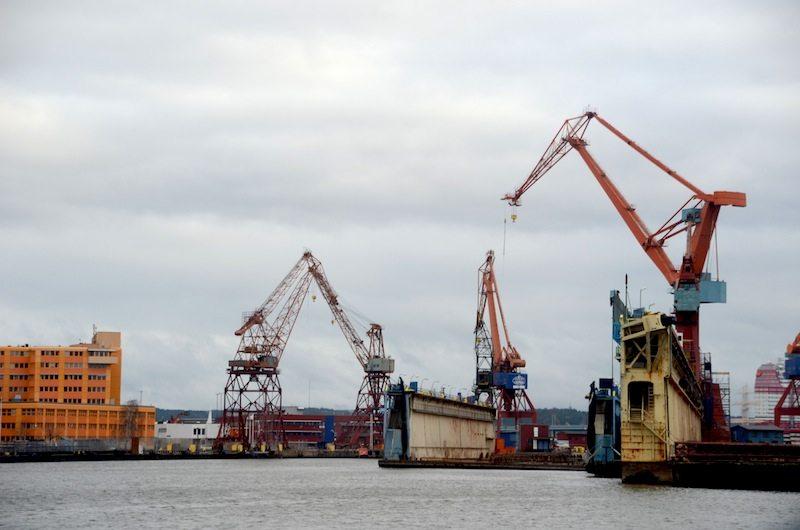 Von der Fähre aus hat man einen schönen Blick auf den Hafen von Göteborg