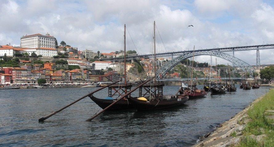 Douro-Ufer in Villa Nova de Gaia (Portugal)