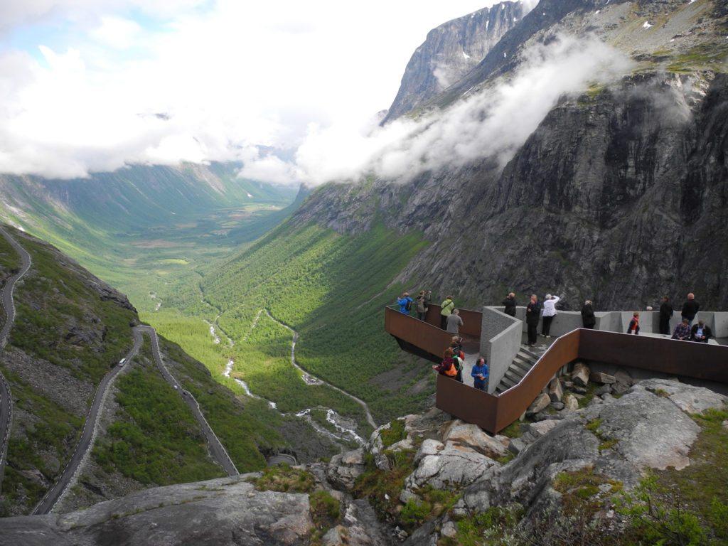Rundreise Norwegen: Aussicht vom Trollstigen