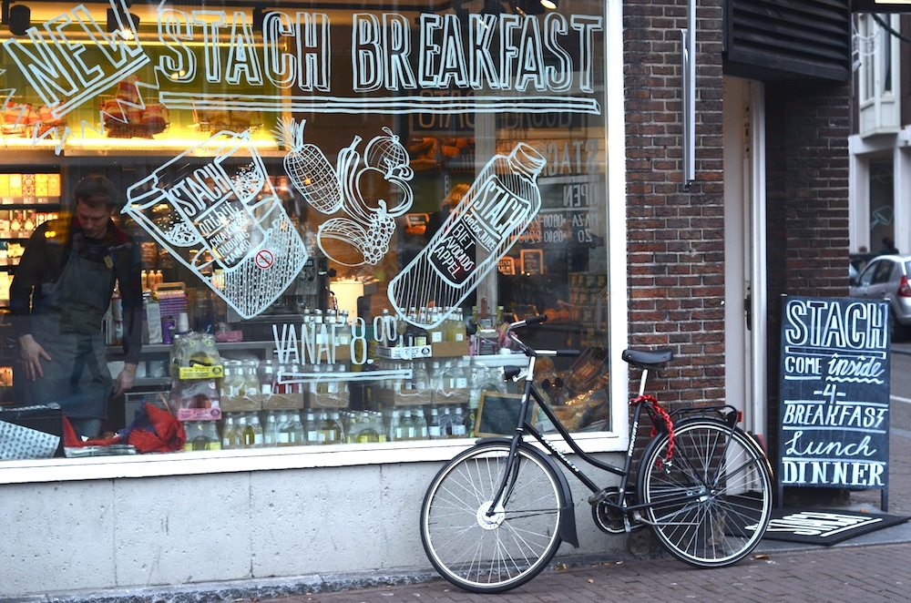 Stylishes und gesundes Café im Jordaan Viertel: Das Stach in der Haarlemmerstraat 150