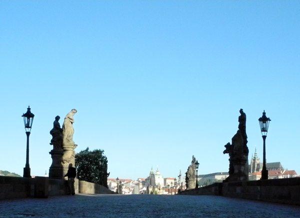 Kurztrip Prag: die Karlsbrücke mal ohne Touristen