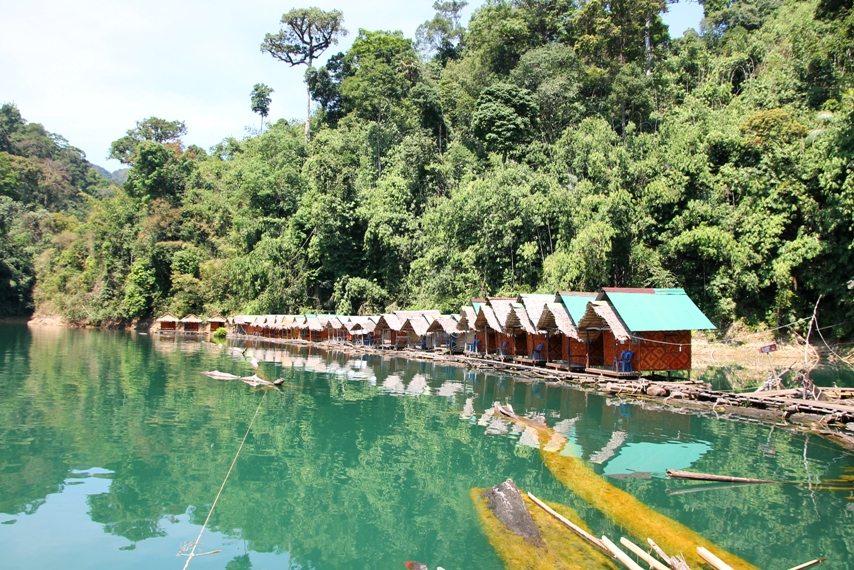 Chiao-Lan-See im Khao Sok Nationalpark in Thailand: Schwimmende Hütten