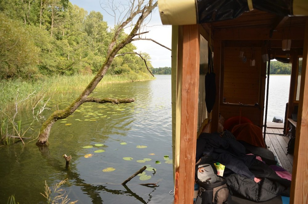An fast jedem Ufer kann man mit dem Hausboot anlegen