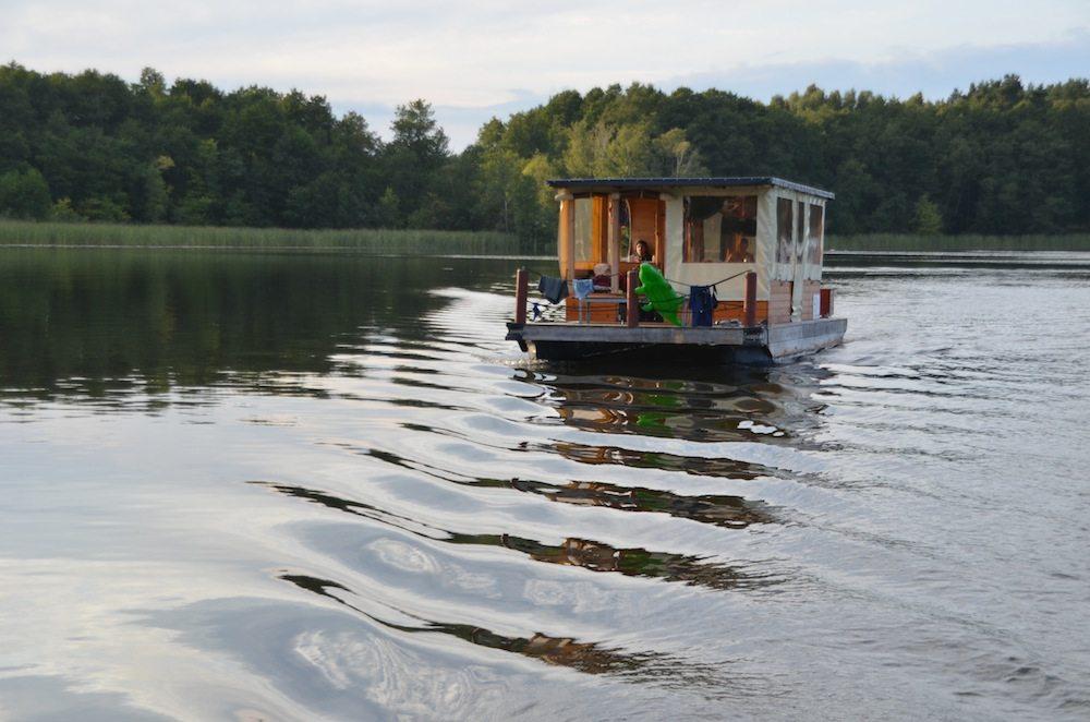 Entspannter Urlaub auf einem Hausboot