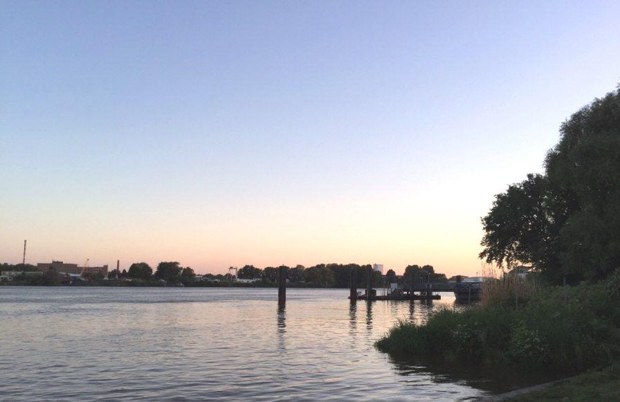 Sonnenuntergang nach dem Grünanlagen Open Air in Finkenwerder, Hamburg