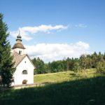 Die Kirche am See Bohinj in Slowenien