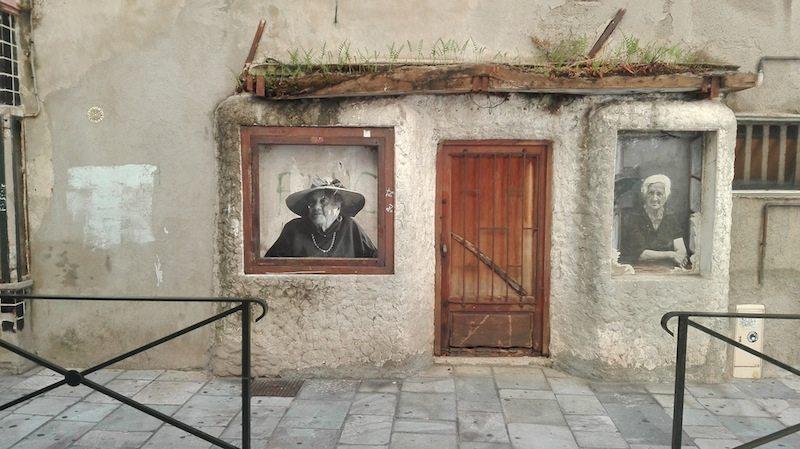 Start Korsika Rundreise: In den Straßen von Bastia