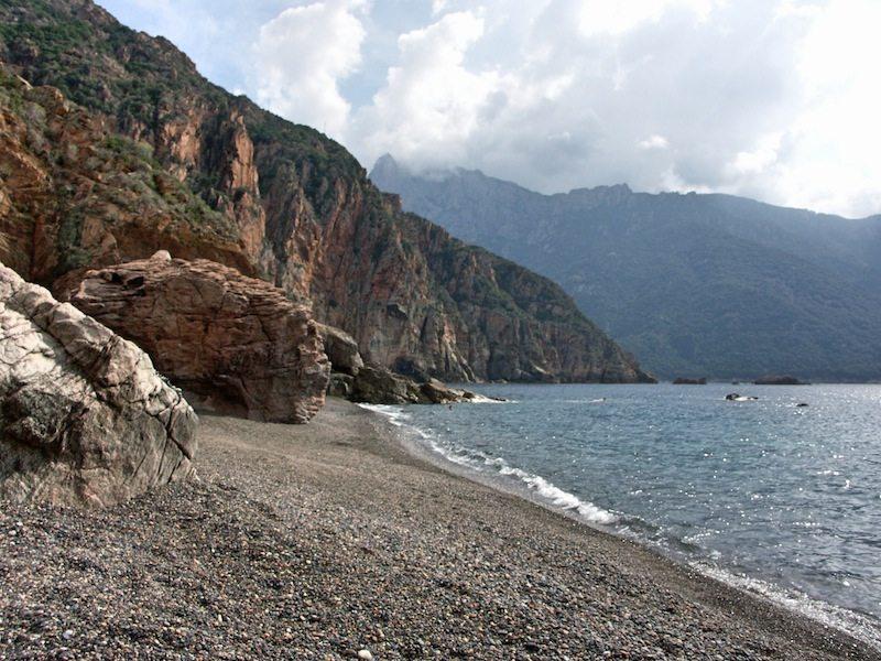 Ein Highlight unserer Korsika Rundreise: Der Bussaglia Strand bei Porto