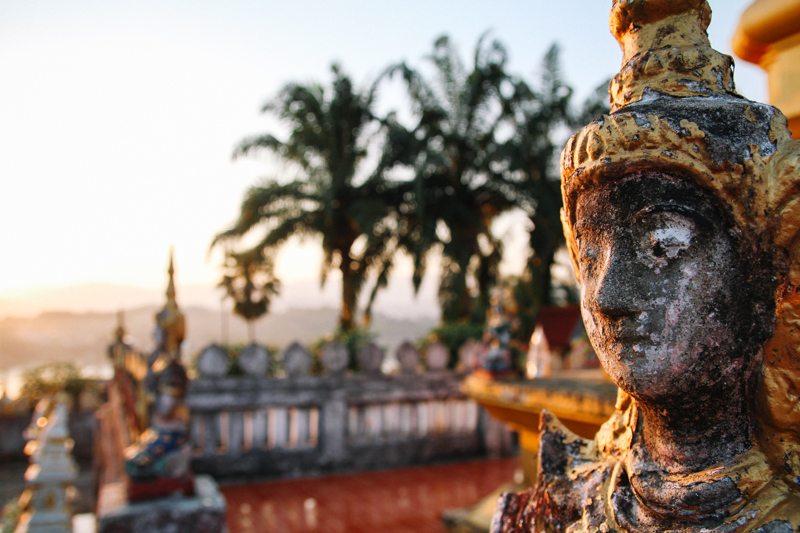 statuen tempel ban houayxay