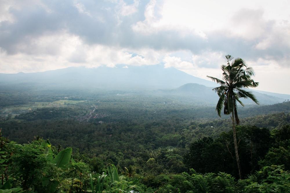 Aussicht vom Wassertempel bei Amed - Tipp für die Bali Backpacking Route