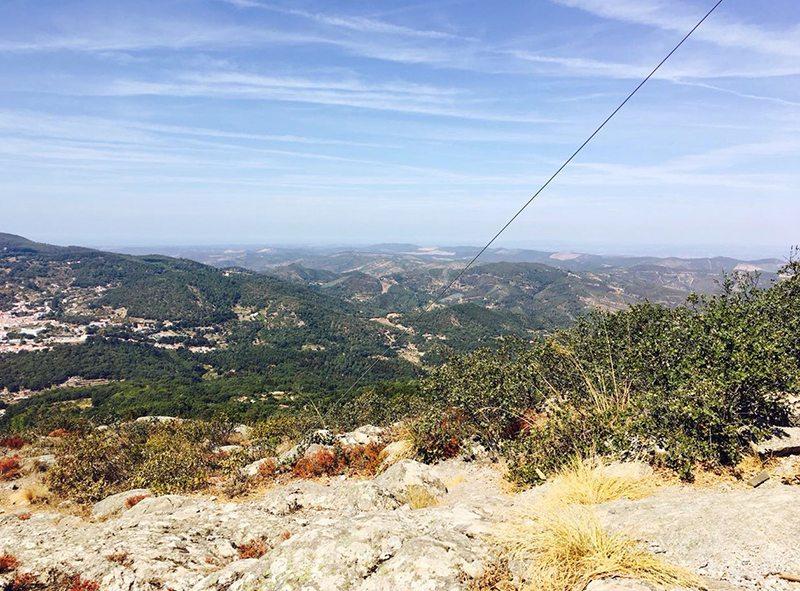 Portugal Route Algarve Wandern auf einen Berg bei Monchique