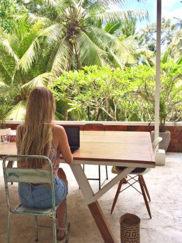 Kosten auf einer Weltreise durch Arbeiten drücken