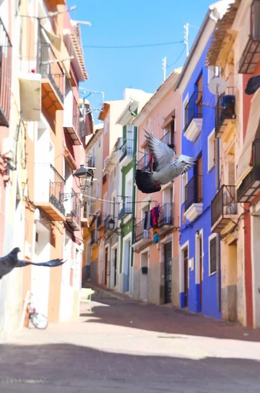 Euín schöner Tipp auf einer Rundreise in Spanien: Die bunten Gassen von Villajoyosa