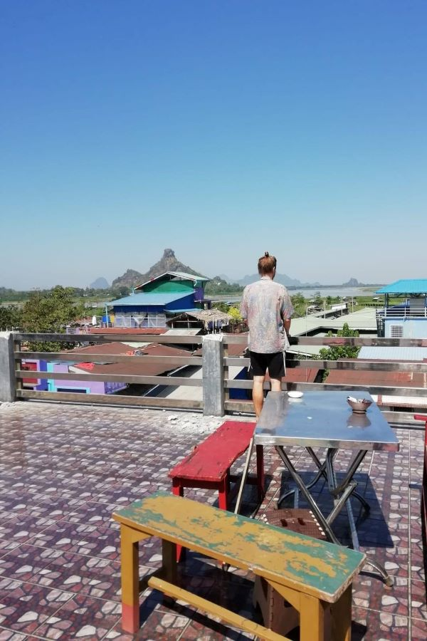Dachterrasse in Hpa An - ein Highlight unserer Myanmar Backpacking Route