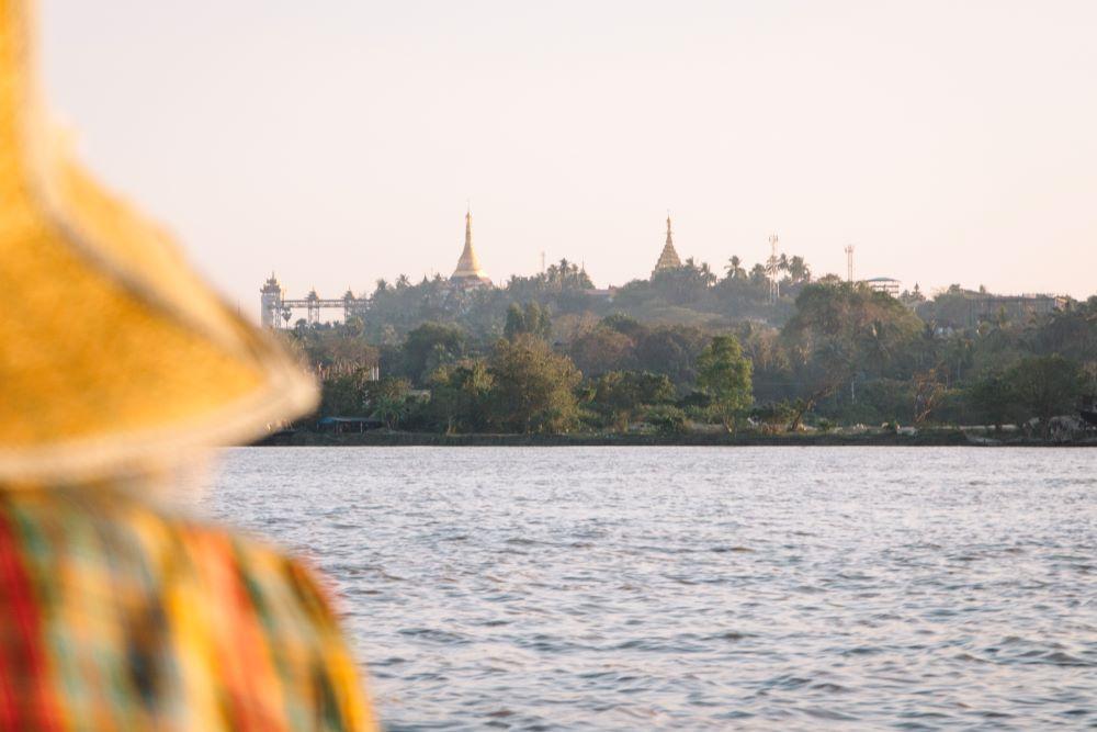 Anreise mit dem Boot von Hpa-An nach Mawlamyaing auf unserer Myanmar Backpacking Route