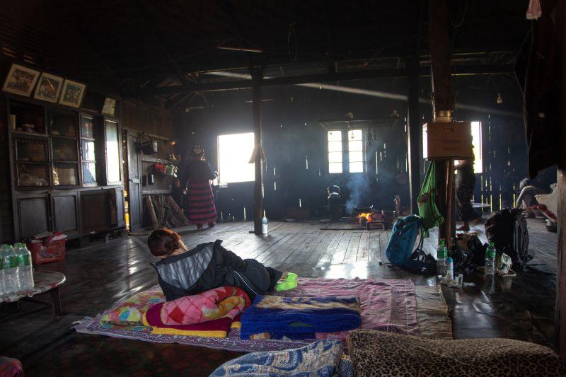 Unser Schlafplatz auf unserer Trekkingtour bei Kyaukme - Geheimtipp für eine Myanmar Backpacking Route