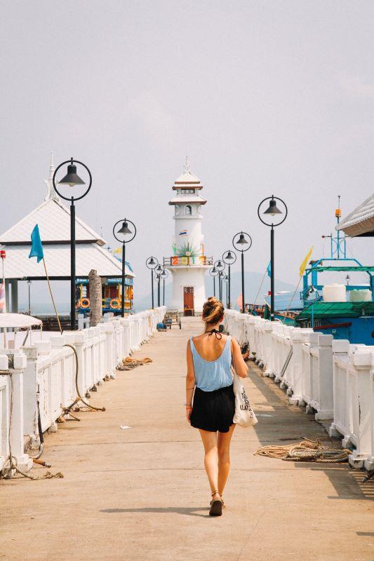 Meine Koh Chang Empfehlung ist vom Bang Bao Pier im Südwesten auf die anderen Inseln zu hüpfen