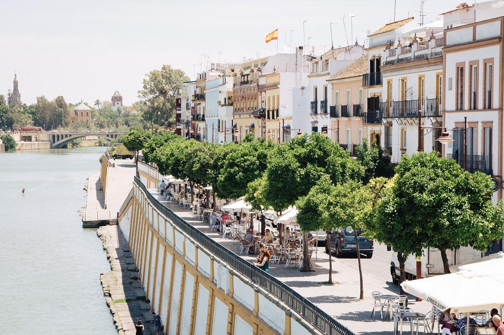 Sevilla Geheimtipps und Reisebericht vom Spaziergang am Fluss und nach Triana
