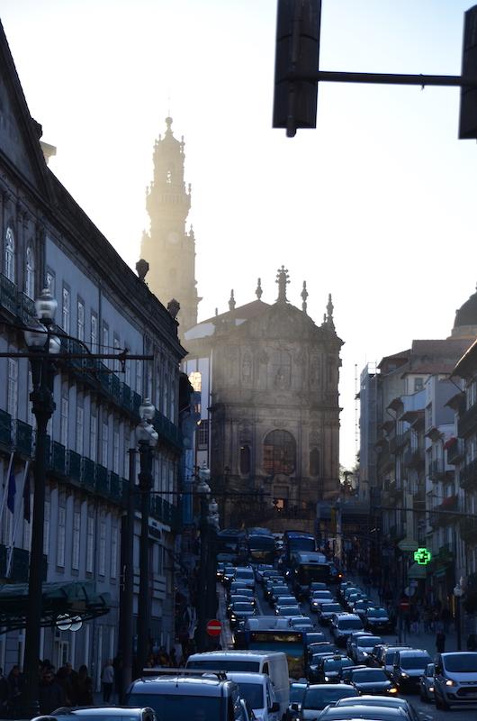 Kirchturm der Igreja dos clerigos - das Wahrzeichen von Porto