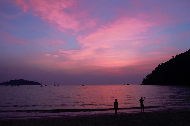 Sonnenuntergänge auf der Hippie-Insel Koh Phayam im März - Erfahrungen in Thailand