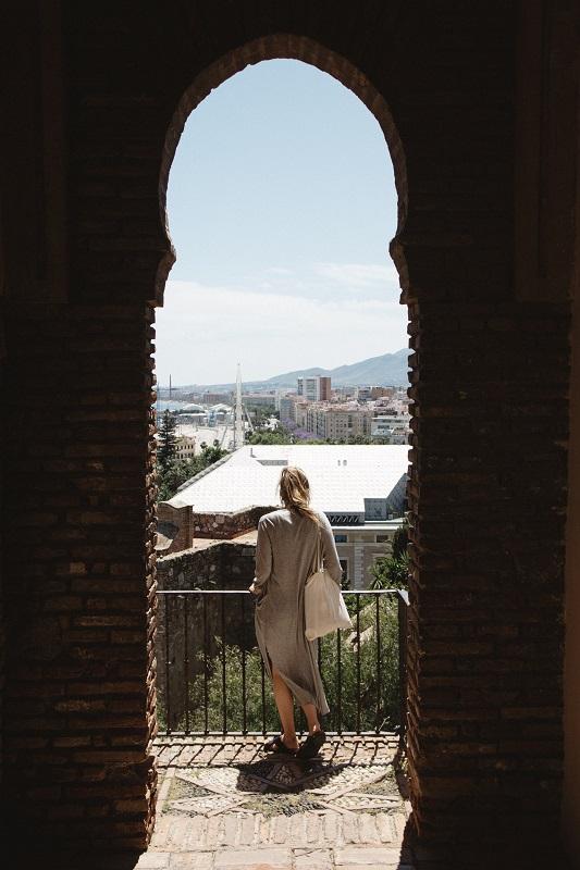 Malaga was kann man machen Sehenswürdigkeiten anschauen und Ausblick genießen von Alcazaba