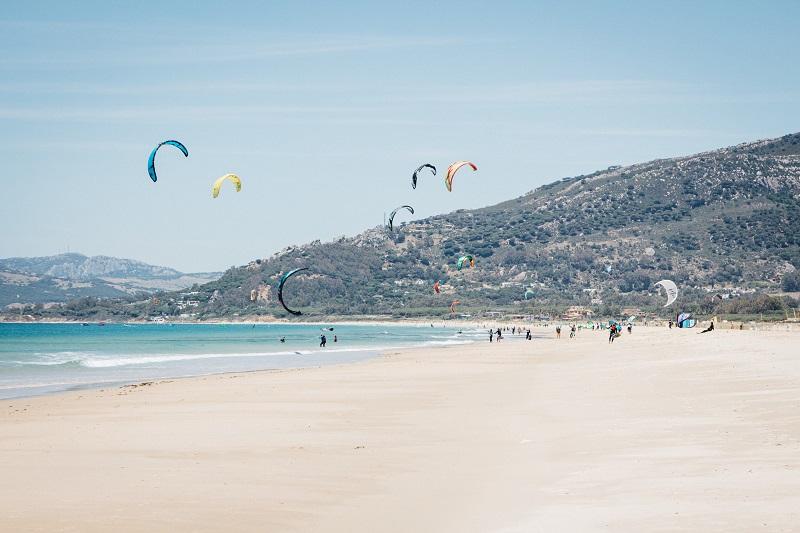 Kiten in Tarifa am schönsten Strand - Andalusien auf eigene Faust